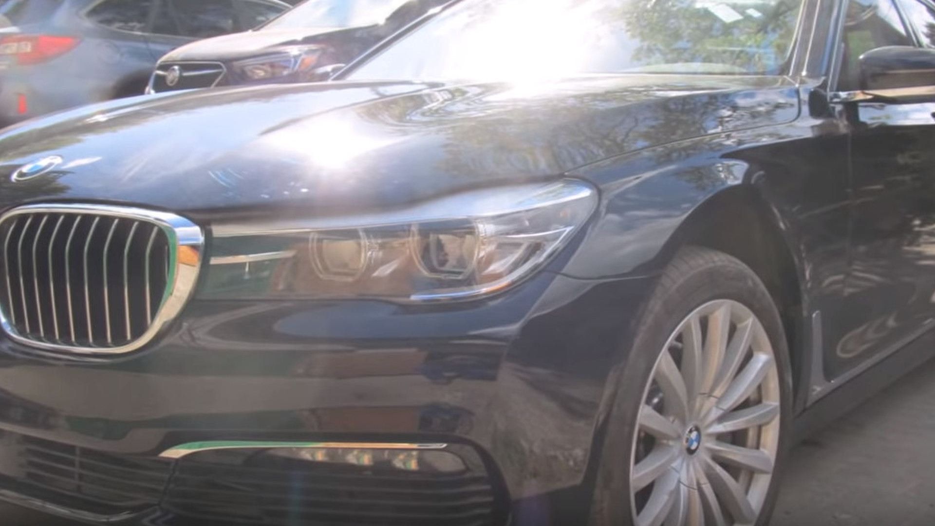 Damaged Bmw 7 Series Is Made To Look As Good As New By