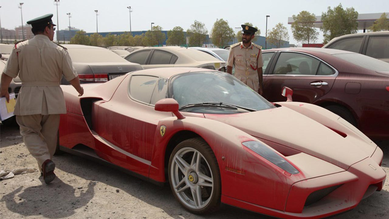 Abandoned In The Desert The Vehicle Jilting Phenomenon In Dubai Autoevolution