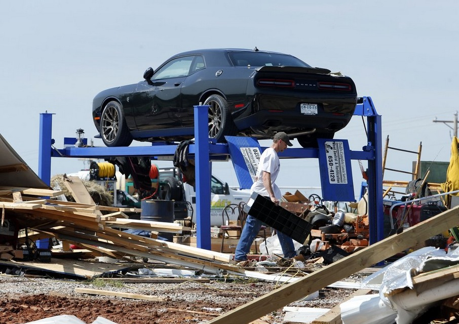 Dodge Challenger Hellcat Defies Tornado When Everything