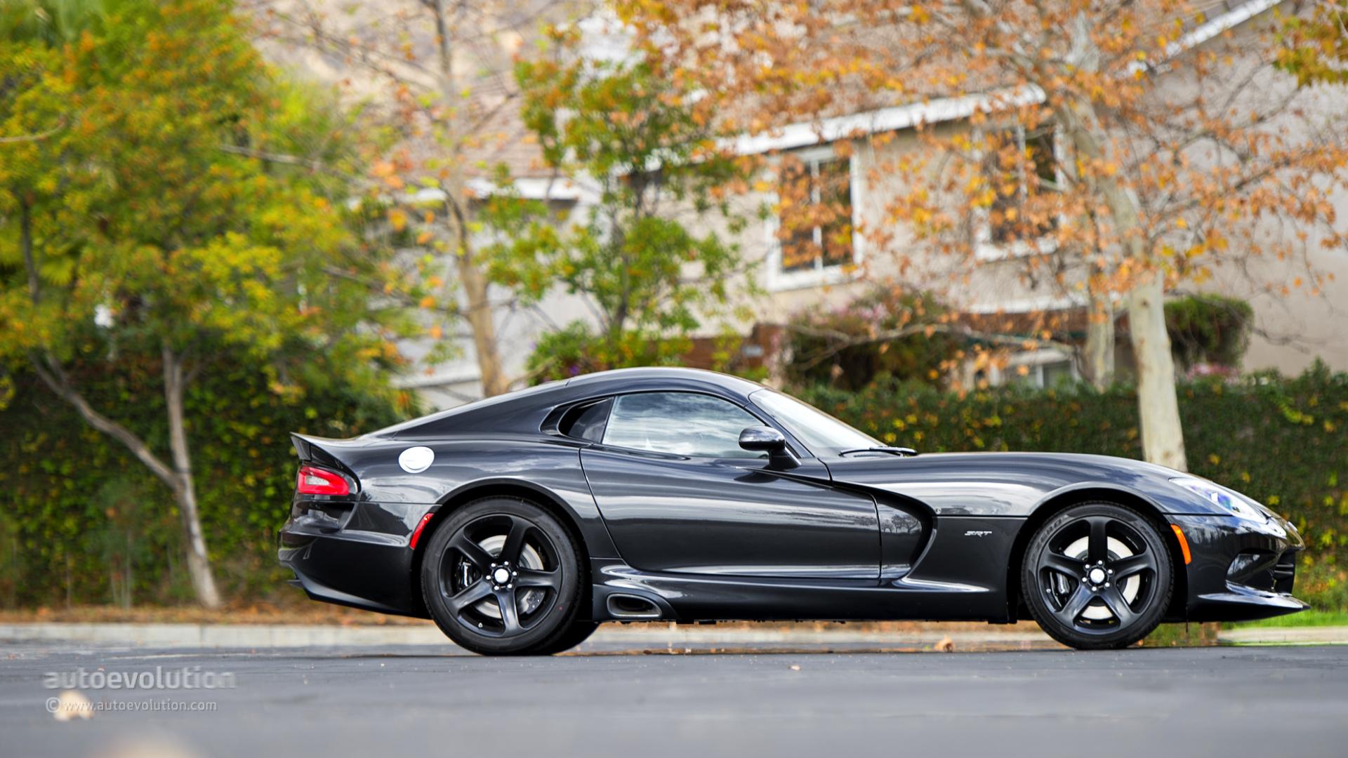 that - Dodge Viper 2015