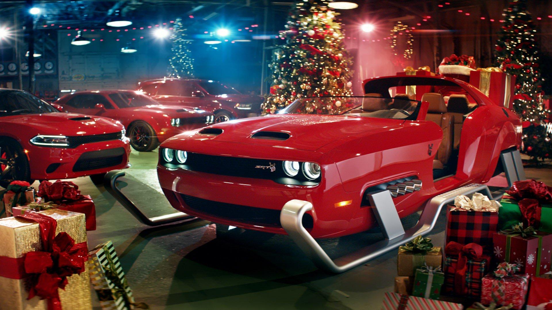 184adbe2ffb5 Dodge Reimagines Santa s Sleigh As Challenger SRT Hellcat Redeye ...