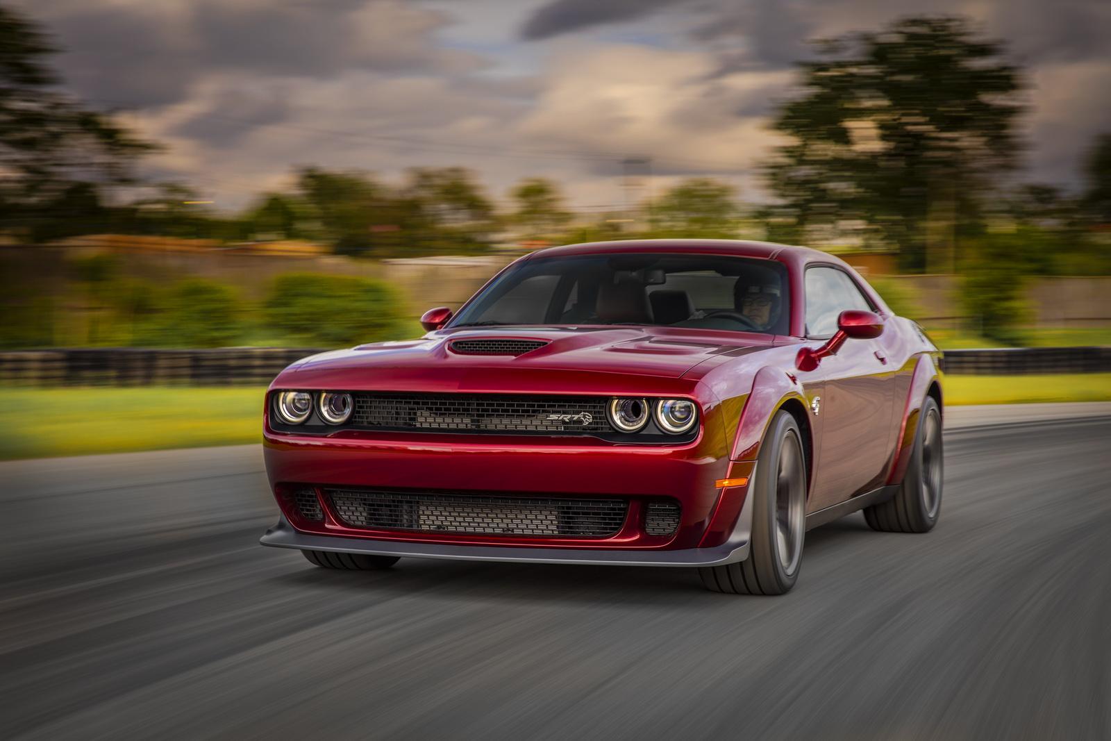 Dodge Reveals 2018 Challenger Srt Hellcat Widebody With Demon Inspired Look