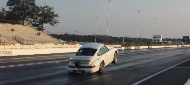 Drag Porsche 911 Does Crazy Wheel Stand [Video]