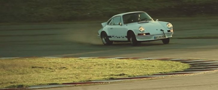 drifting a porsche 911 carrera rs 2 7 is going sideways in a piece of history autoevolution. Black Bedroom Furniture Sets. Home Design Ideas