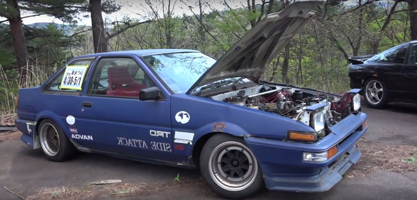Drifting a Toyota AE86 on Japan\'s Ebisu: Keiichi Tsuchiya-Style Old ...