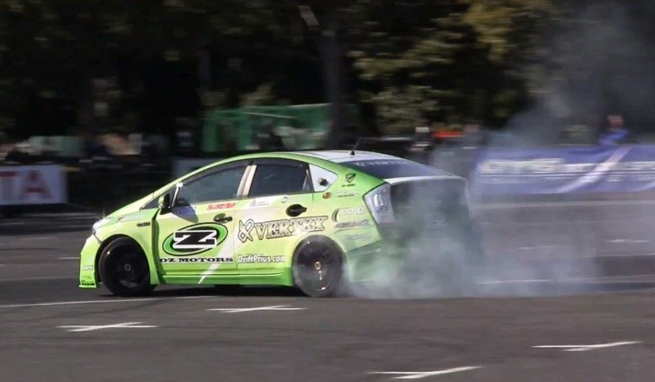 Drifting Toyota Prius Puts Up A Show At Tokyo Auto Salon Video in addition Toyota Prius C Aqua furthermore Toyota  s X as well Gold Nissan Gt R With Metal Engraving Has Matching Gold Engine In Japan additionally Priusc. on 2015 toyota prius engine