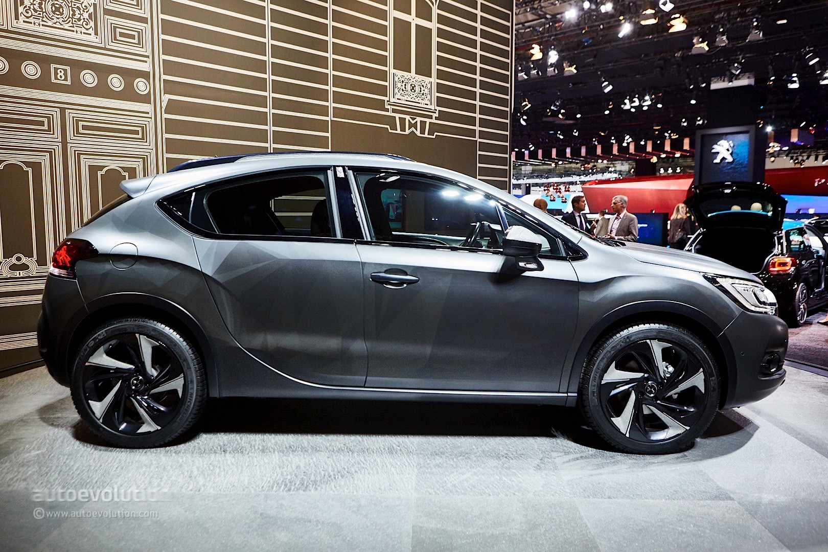 ds automobiles brings compact luxury to frankfurt with updated ds4 autoevolution. Black Bedroom Furniture Sets. Home Design Ideas
