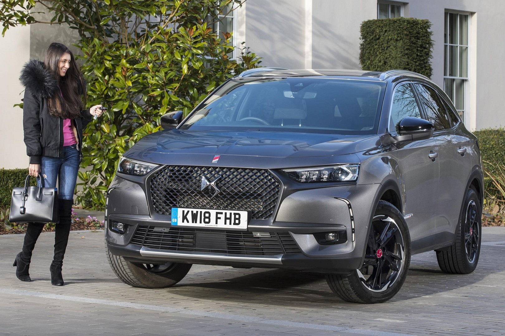 DS7 Crossback Gets 225 HP 1.6L Turbo Engine in Britain  autoevolution