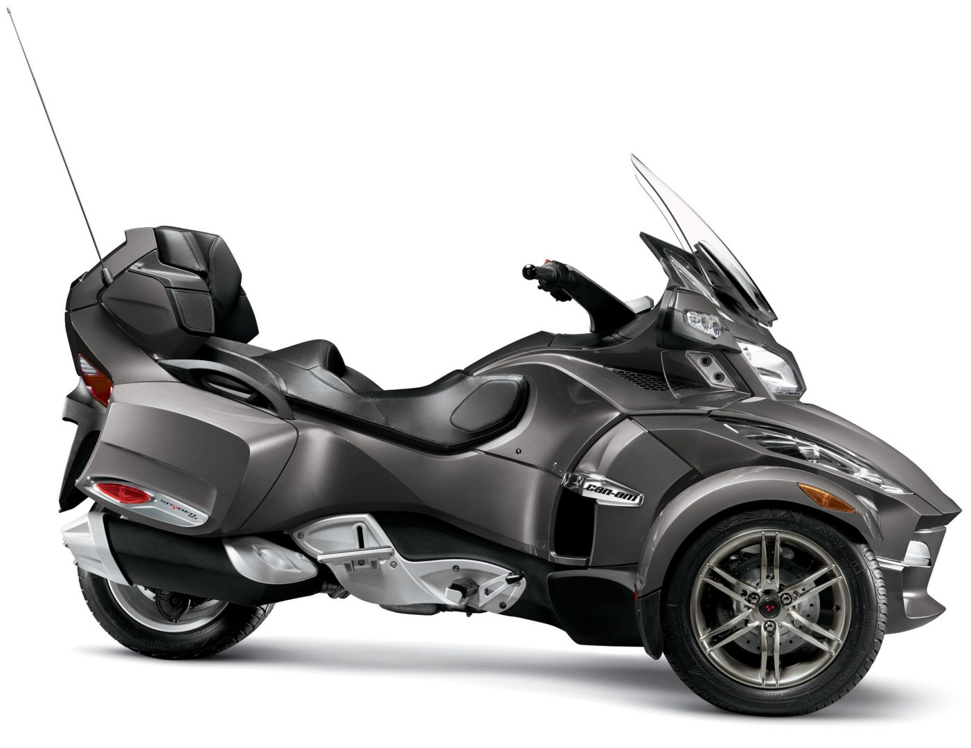 dual recall for more than 40 000 can am spyders autoevolution. Black Bedroom Furniture Sets. Home Design Ideas