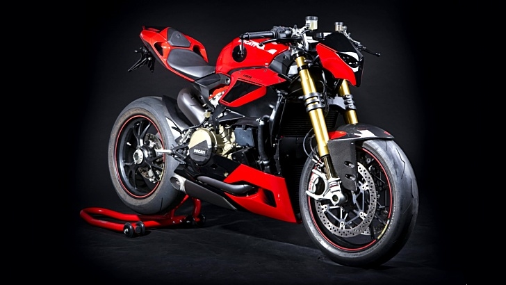 Ducati 1199 Panigale S Fighter By Hertrampf Too Evil For
