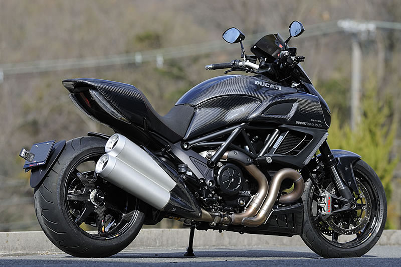 Ducati Diavel Fully Covered In Magical Racing Carbon Autoevolution