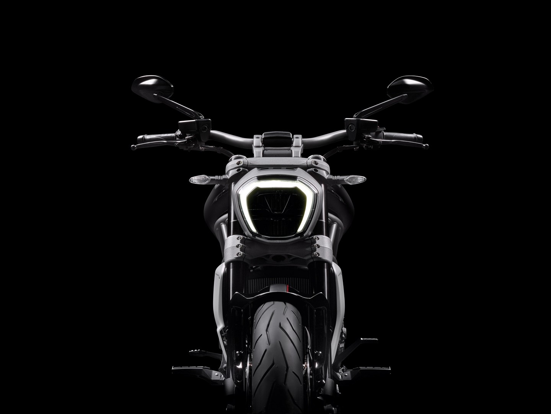 36 Photos 2018 Ducati XDiavel