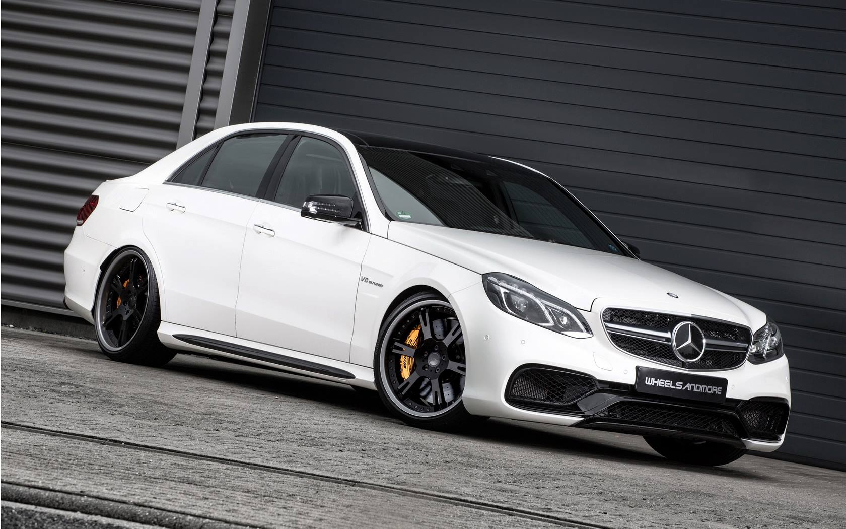 e63 amg s model by wheelsandmore turns it up to 11 autoevolution. Black Bedroom Furniture Sets. Home Design Ideas