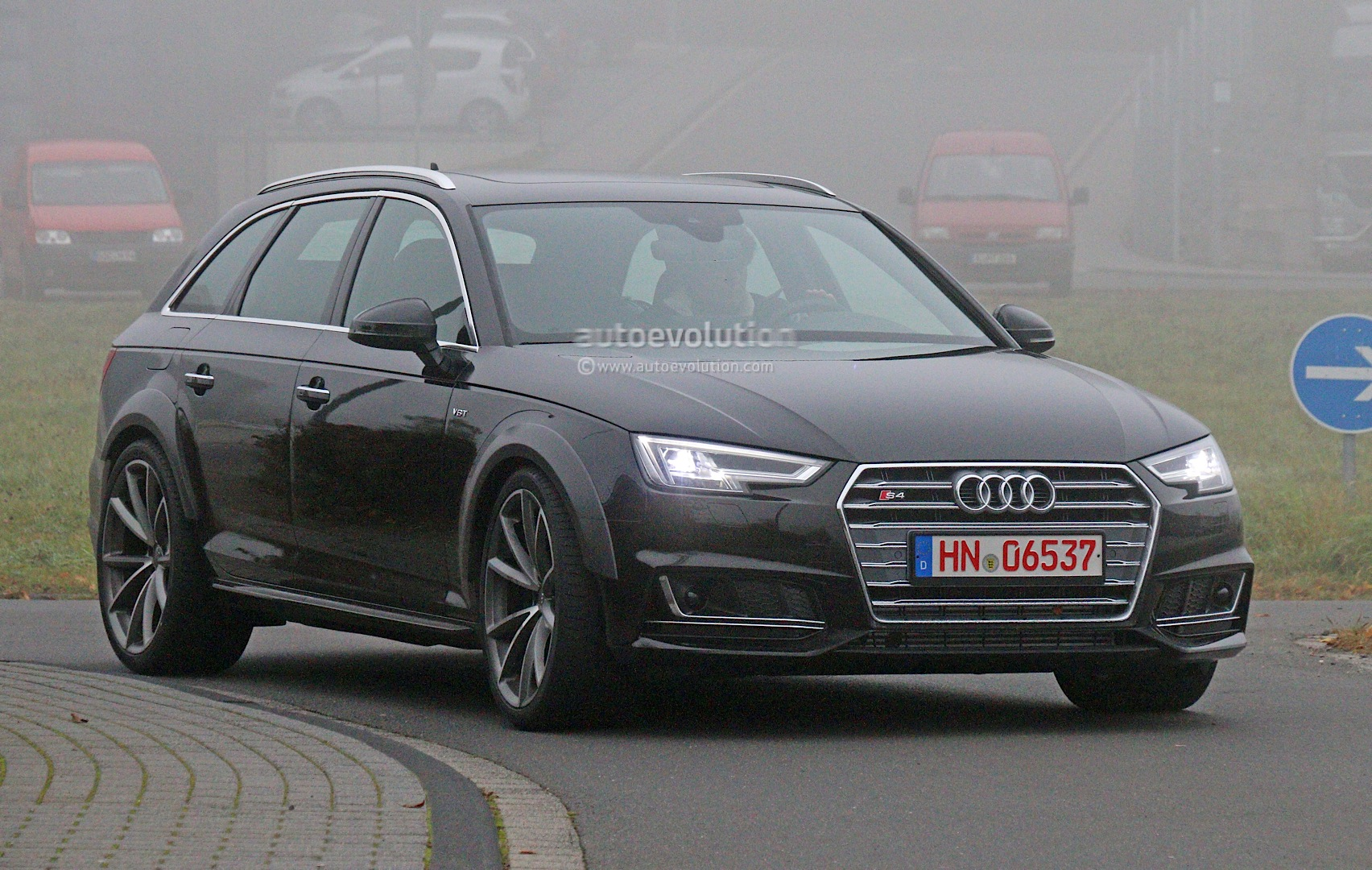 Early 2018 Audi Rs4 Avant Chassis Testing Mule This Could Be It