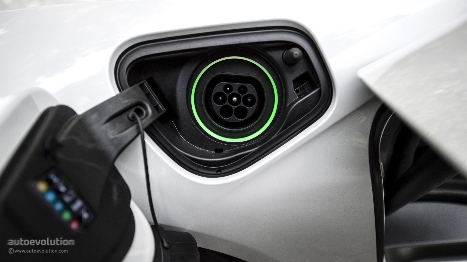 Ecotricity Charges Ev Owners 163 6 For 30 Minutes Of Electricity Autoevolution