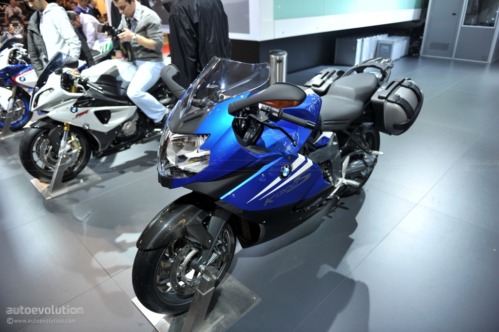 eicma 2010 bmw k 1300 s live photos autoevolution. Black Bedroom Furniture Sets. Home Design Ideas