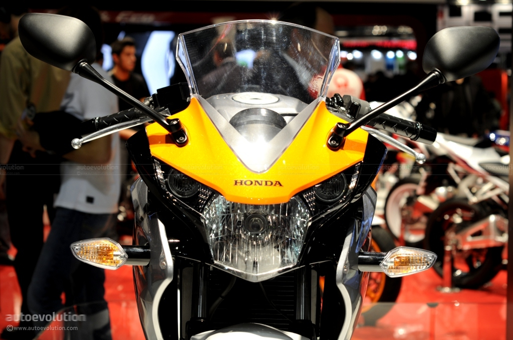 Eicma 2010 Honda Cbr125r Live Photos Autoevolution