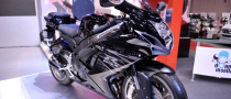 EICMA 2010: Lightened GSX-R600 and GSX-R750 Facelifts [Live Photos]