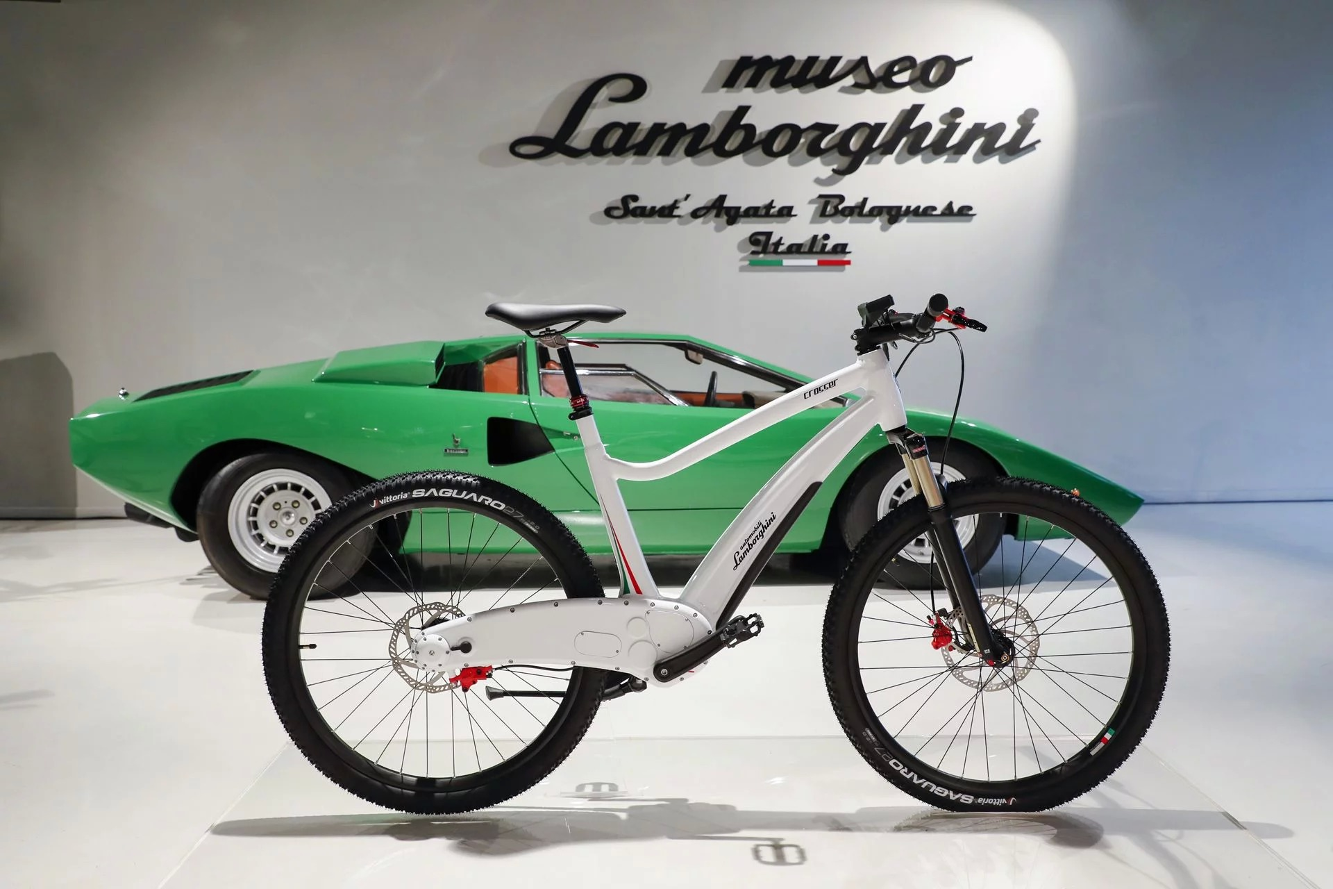 6 Photos. Lamborghini E Bike ...