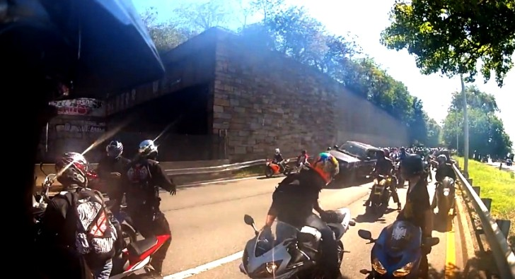 Extreme Road Rage Incident with a Range Rover Plowing through a Biker Group [Video]