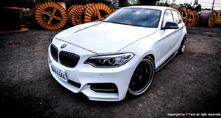 eye candy bmw m135i gets 2 series face autoevolution. Black Bedroom Furniture Sets. Home Design Ideas