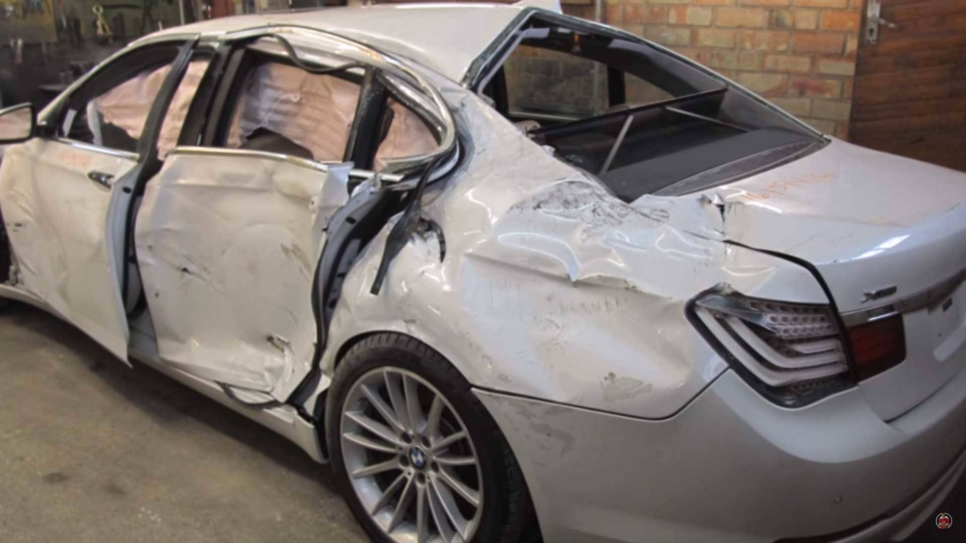 F01 BMW 7 Series Wreck Repaired by Russian Mechanic