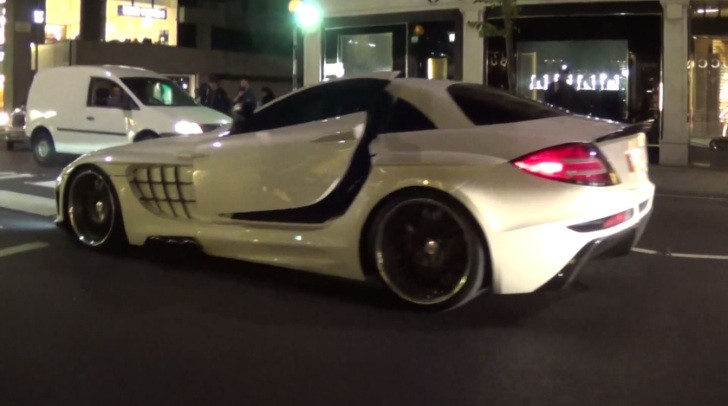 FAB Design SLR McLaren Desire Cruising in London [Video]