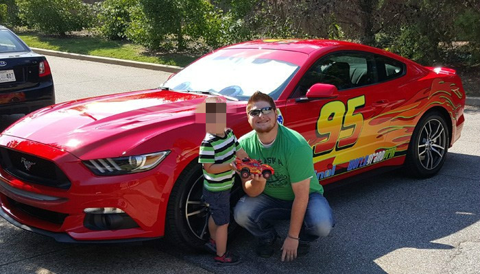 Father Turns 2015 Ford Mustang Into Lightning Mcqueen To