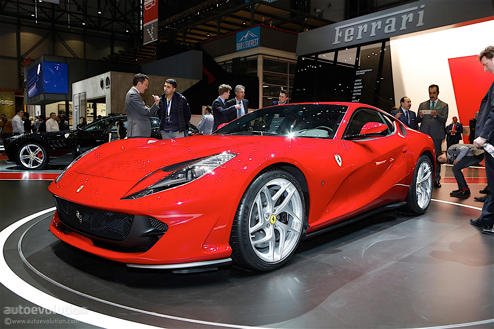 ferrari 812 superfast stands still in geneva is gorgeous autoevolution. Black Bedroom Furniture Sets. Home Design Ideas