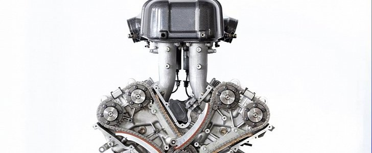 Ferrari Enzo V12 Engine Shows Up For Sale on Facebook, Looks New