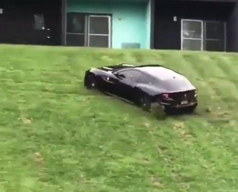 Ferrari Ff Drifting On A Lawn Looks Like A Toy Car Autoevolution