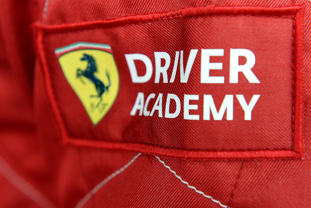 fernando extension shell sign alonso autoevolution signs ferrari massa year news and until felipe