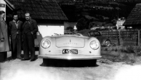 Ferry Porsche (centre), his father Ferdinand Porsche (right) and Erwin Komenda (left), 1948, in front of the 356 No. 1 in Gmund