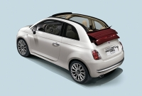 Fiat 500 C was displayed at Geneva