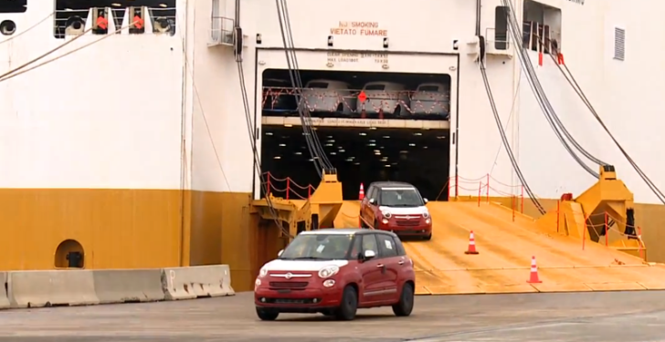 Fiat 500L Arrives in North America by the Boatload [Video]
