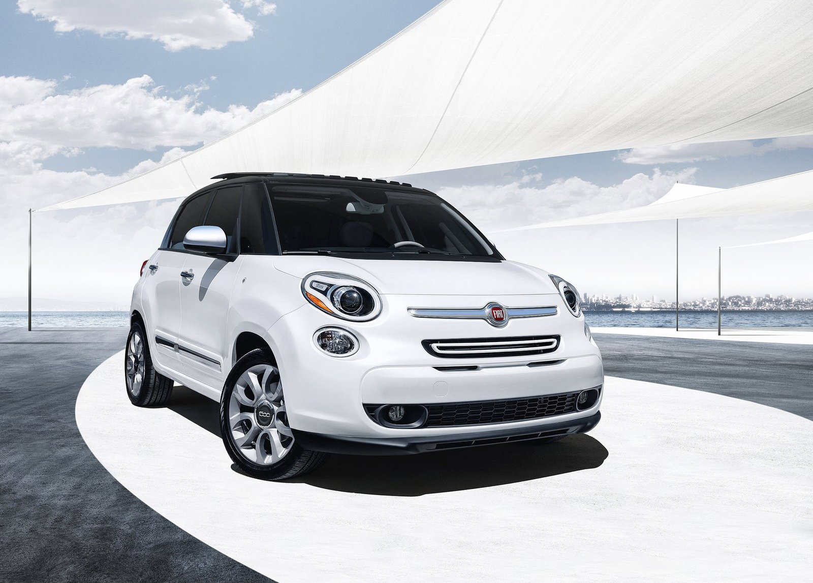 fiat recalls 500l over knee airbags deployment issues autoevolution. Black Bedroom Furniture Sets. Home Design Ideas