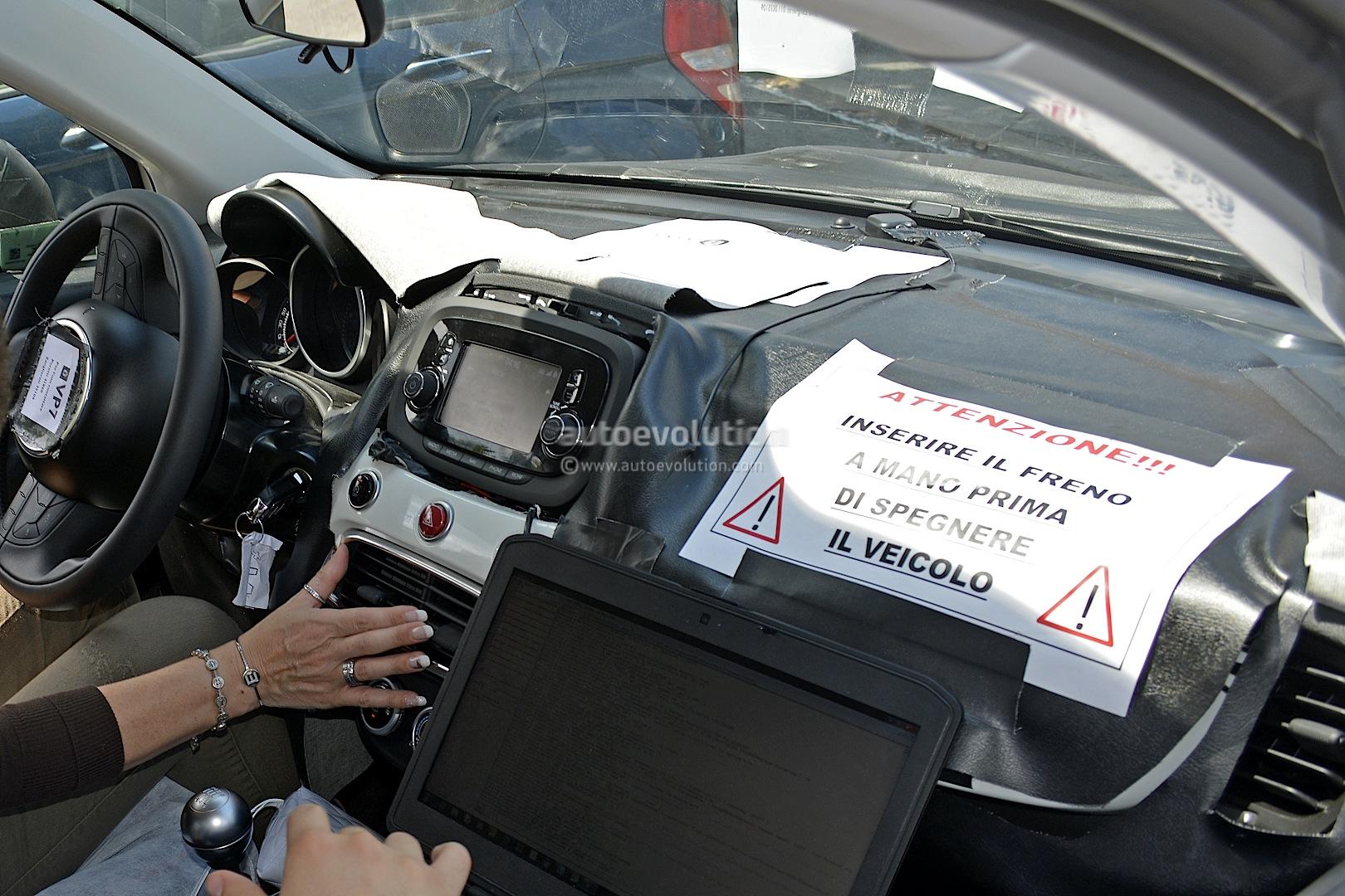 4 Photos. Fiat 500X Interior ...