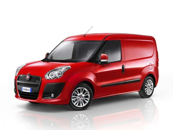 fiat doblo cargo test drive with a bonus autoevolution. Black Bedroom Furniture Sets. Home Design Ideas