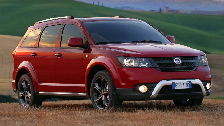 fiat freemont cross is a dodge journey crossroad look. Black Bedroom Furniture Sets. Home Design Ideas