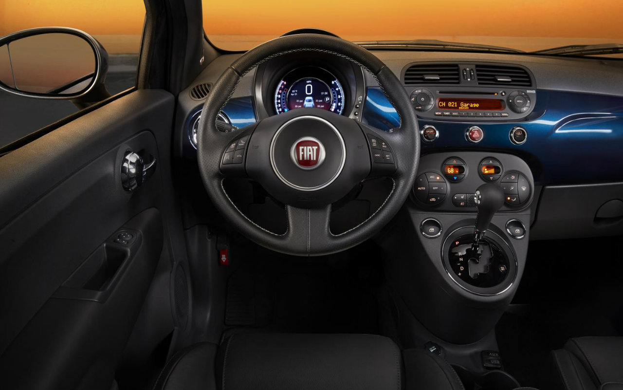 Fiat usa updates the 500 with new 7 inch display for Fiat 500 interieur
