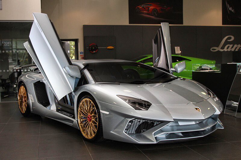 final lamborghini aventador sv has porsche 918 liquid metal blue paint all over autoevolution. Black Bedroom Furniture Sets. Home Design Ideas