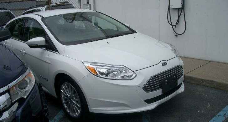 First Electric Ford Focus is Delivered to Customer