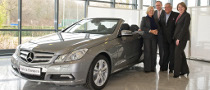 First Mercedes-Benz E-Klasse Cabrio Handed Over to Customer
