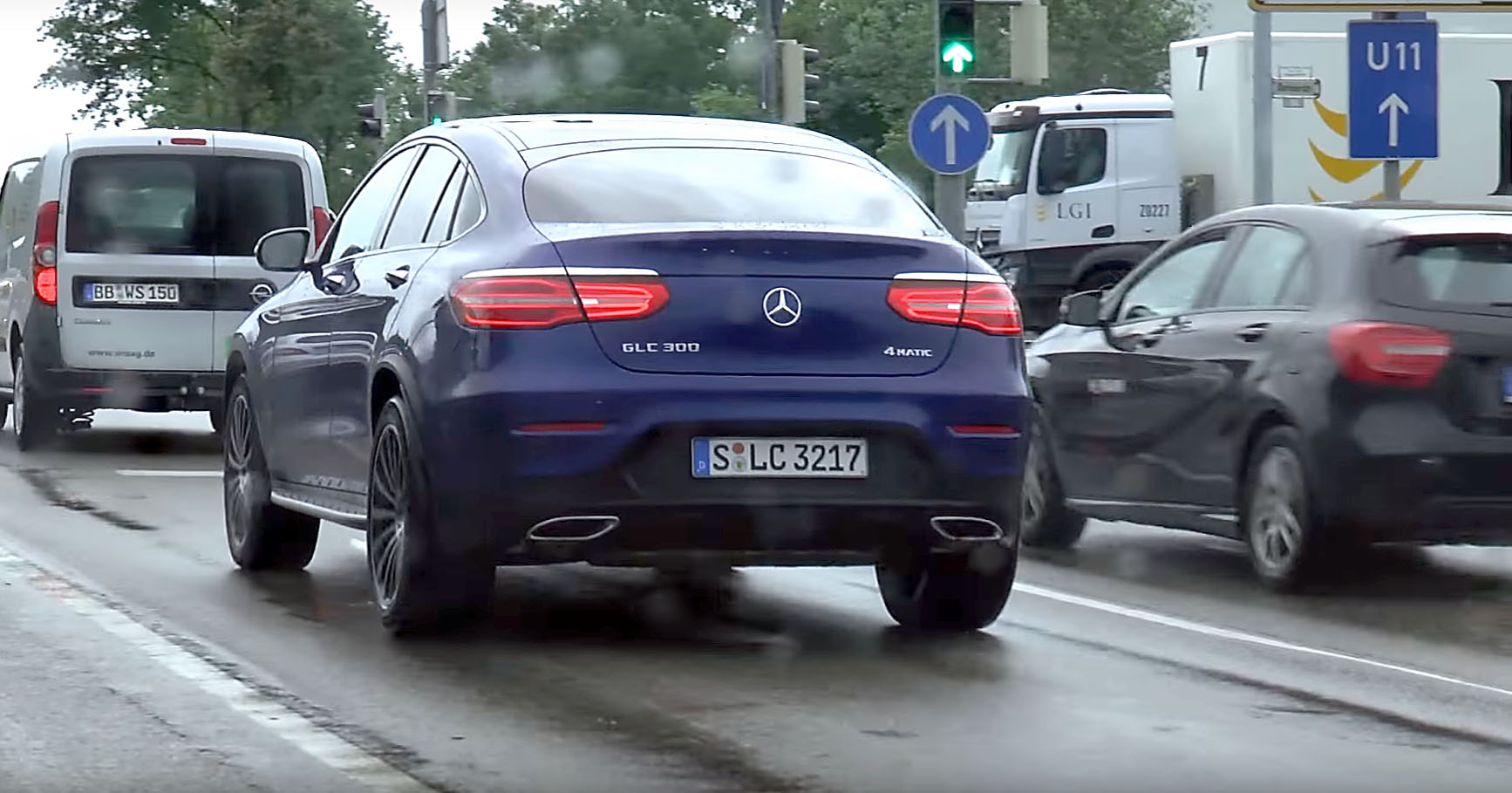 https://s1.cdn.autoevolution.com/images/news/first-street-sighting-of-the-2017-mercedes-benz-glc-coupe-108552_1.jpg