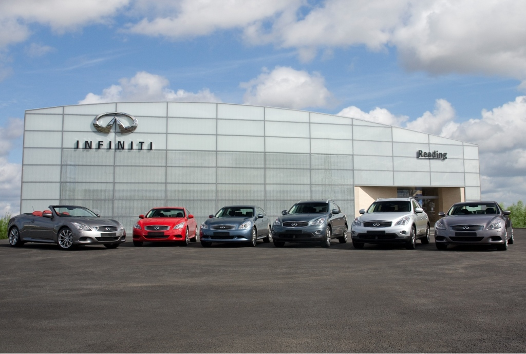 Infiniti Dealer Reading >> First Uk Infiniti Center Open Autoevolution