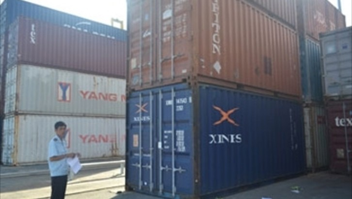 Five Lexus Vehicles Abandoned in Vietnamese Port
