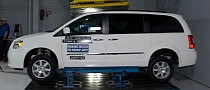 Five Minivans Receive IIHS Top Safety Pick Award