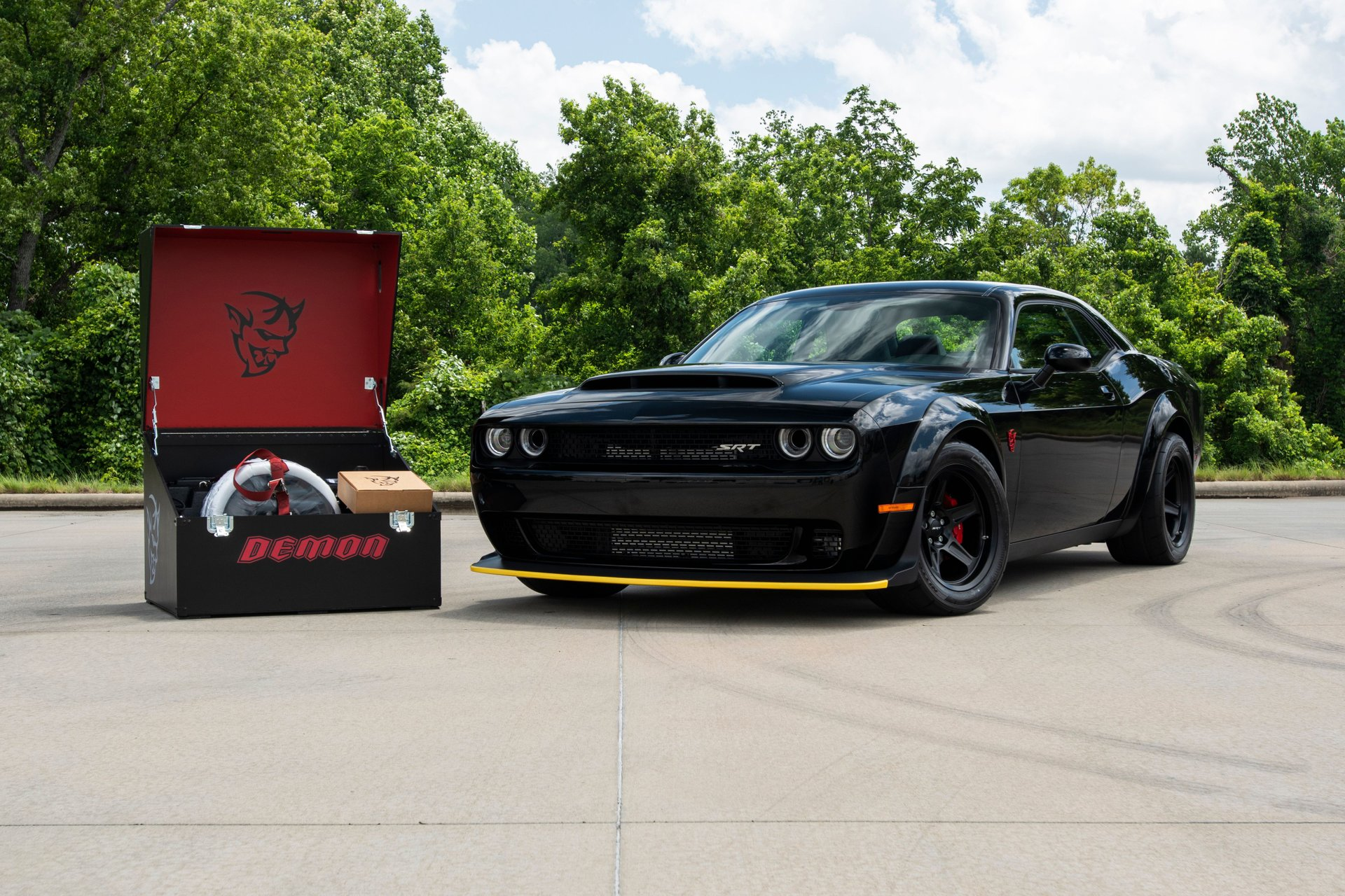 For Sale 2018 Dodge Challenger Srt Demon Shows Only 483 Miles From New Autoevolution