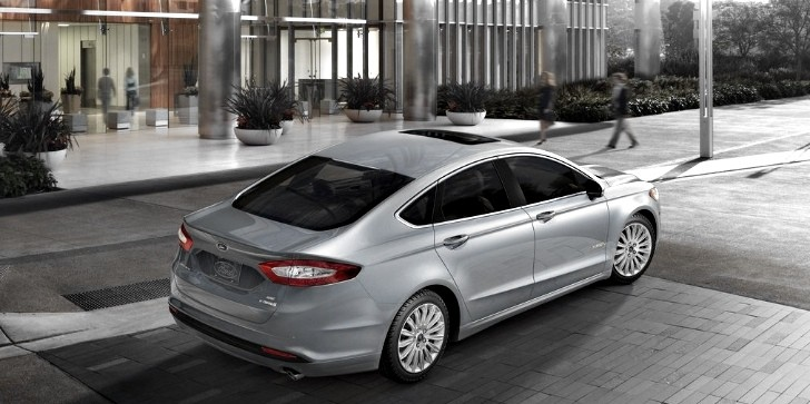 Ford Achieves Record Hybrid Sales Due to Fusion and C-MAX Models