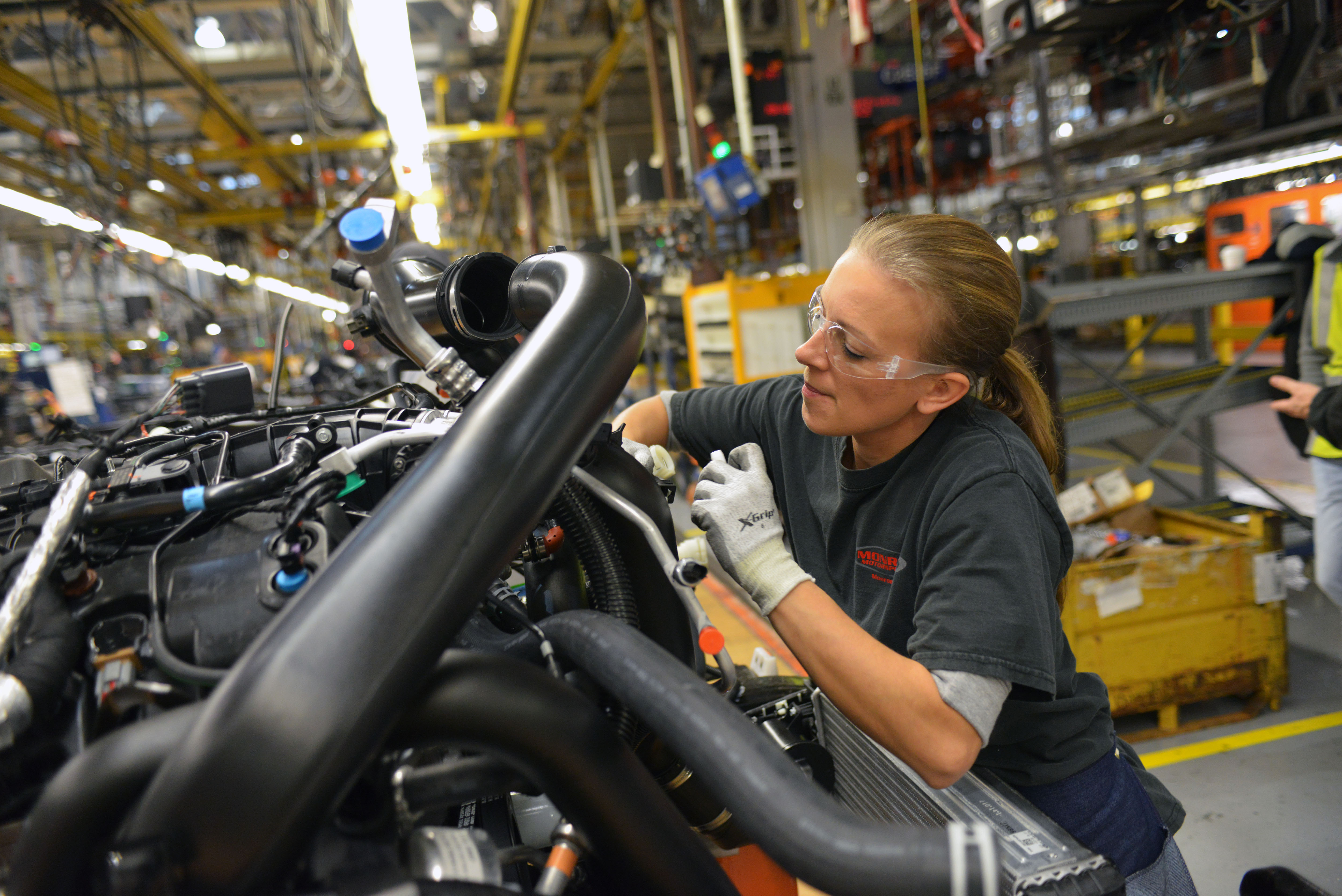 Ford Adds 1 550 Jobs Due To Rising 2015 F 150 Demand